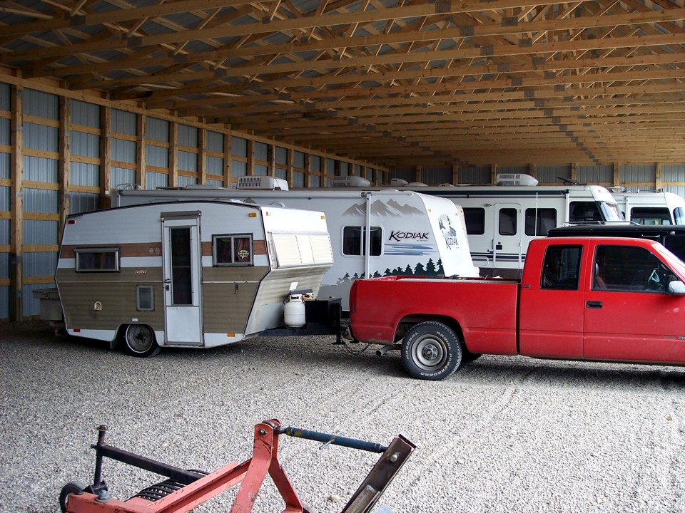 Covered rv storage calgary recreational vehicles boats for Rb storage